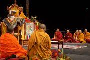 """Его Святейшество Далай-лама во время учений по Четырем благородным истинам на стадионе """"CBS Canterbury"""". Крайстчерч, Новая Зеландия. 9 июня 2013 г. Фото: Джереми Рассел (офис ЕСДЛ)"""