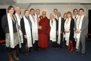 """Его Святейшество Далай-лама с членами межпартийной парламентской группы """"Друзья Тибета"""". Крайстчерч, Новая Зеландия. 10 июня 2013 г. Фото: Jacqui Walker"""