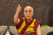 Его Святейшество Далай-лама отвечает на вопросы студентов университета Кентербери. Крайстчерч, Новая Зеландия. 10 июня 2013 г. Фото: Джереми Рассел (офис ЕСДЛ)