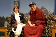 Его Святейшество Далай-лама отвечает на вопросы студентов университета Отаго. Данидин, Новая Зеландия. 11 июня 2013 г. Фото: Джереми Рассел (ОЕСДЛ)