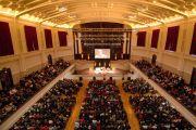 """Мэрия Данидина, где проходила лекция Его Святейшества Далай-ламы """"Этика для всего мира"""". Данидин, Новая Зеландия. 11 июня 2013 г.Фото: Джеки Уокер."""