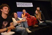 Его Святейшество Далай-лама и члены организации Reach Foundation. Сидней, Австралия. 13 июня 2013 г. Фото: Rusty Stewart/DLIA 2013