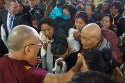 Его Святейшество Далай-ламу встречают в Мельбурне. Мельбурн, Австралия. 18 июня 2013 г. Фото: Джереми Рассел (офис ЕСДЛ)