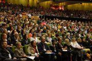 """Во время форума """"Счастье и его причины"""", на котором с лекцией выступил Его Святейшество Далай-лама. Мельбурн, Австралия. 20 июня 2013 г. Фото: Джереми Рассел (офис ЕСДЛ)"""
