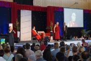 """Его Святейшество Далай-лама выступает с лекцией """"Как прожитьдостойную жизнь"""". Палмерстон, Австралия. 22 июня 2013 г. Фото: Джереми Рассел (офис ЕСДЛ)"""