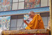 Его Святейшество Далай-лама в монастыре Намдролинг в тибетском поселении Билакуппе. Карнатака, Индия. 11 июля 2013 г. Фото: Тензин Такла (офисе ЕСДЛ)