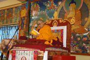 Его Святейшество Далай-лама во время торжественного открытия нового внутреннего двора для проведения философских диспутов в монастыре Ташилунпо в последний день своего визита в Билакуппе. Карнатака, Индия. 12 июля 2013 г. Фото: Тензин Такла (офис ЕСДЛ)