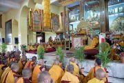 Его Святейшество Далай-лама дарует предварительное посвящение Ямантаки в монастыре Дзонкар Чоде в тибетском поселении Хунсур. Карнатака, Индия. 12 июля 2013 г. Фото: Тензин Такла (офис ЕСДЛ)