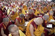 Во время двухдневных учений Его Святейшества Далай-ламы по махамудре в тантрическом монастыре Гьюдмед. Хунсур, Карнатака, Индия. 14 июля 2013 г. Фото: Тензин Такла (офис ЕСДЛ)