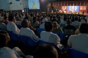 На учения Его Святейшества Далай-ламы в Пуне собрались более 2 5000 человек. Махараштра, Индия. 27 июля 2013 г. Фото: Тензин Чойджор (офис ЕСДЛ)