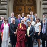 Далай-лама принял участие в круглом столе