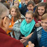 Далай-лама встретился со школьниками и выступил с публичной лекцией о сострадании и солидарности