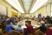 Его Святейшество Далай-лама выступает в литовском парламенте. Вильнюс, Литва. 12 сентября 2013 г. Фото: Джереми Рассел (офис ЕСДЛ)