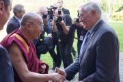 Его Святейшество Далай-лама и Валдас Адамкус, второй президент Литвы. Вильнюс, Литва. 12 сентября 2013 г. Фото: Джереми Рассел (офис ЕСДЛ)