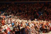 Во время лекции Его Святейшества Далай-ламы в зале Сименс Арена. Вильнюс, Литва. 13 сентября 2013 г. Фото: Джереми Рассел (офис ЕСДЛ)