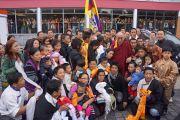 Его Святейшество Далай-лама с тибетцами, живущими в германии и сопредельных странах во время выступления в Ганновере, Германия. 18 сентября 2013 г. Фото: Джереми Рассел (ОЕСДЛ)