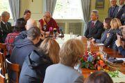 Его Святейшество Далай-лама встречается с журналистами в Ганновере, Германия. 18 сентября 2013 г. Фото: Джереми Рассел (ОЕСДЛ)