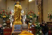 Его Святейшество Далай-лама принял участие в молебне во вьетнамском буддийском монастыре Вьен Зак. Ганновер, Германия. 20 сентября 2013 г. Фото: Джереми Рассел (офис ЕСДЛ)