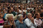 Во время выступления Его Святейшества Далай-ламы в зале Gwinnet Arena. Атланта, штат Джорджия, США. 8 октября 2013 г. Фото: Emory University