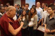 Его Святейшество Далай-лама беседует со студентами университета Эмори. Атланта, штат Джорджия, США. 10 октября 2013 г. Фото: Джереми Рассел (офис ЕСДЛ)