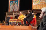 """Его Святейшество Далай-лама дарует учения в зале """"Арена Сьюдад де Мехико"""". Мехико, Мексика. 12 октября 2013 г. Фото: Джереми Рассел (офис ЕСДЛ)"""