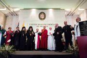 Его Святейшество Далай-лама и священнослужители различных религий в Королевском католическом университете. Мехико, Мексика. 12 октября 2013 г. Фото: Оскар Фернандес