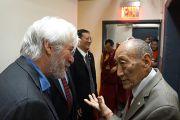 Ричард Гир и Рато Кхьонгла Ринпоче, организаторы учений Его Святейшества Далай-ламы. Нью-Йорк, США. 18 октября 2013 г. Фото: Джереми Рассел (офис ЕСДЛ)