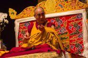 """Его Святейшество Далай-лама дарует учения в театре """"Маяк"""". Нью-Йорк, США. 20 октября 2013г. Фото: Robert Nickelsberg"""