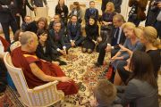 Его Святейшество Далай-лама обращается к польским парламентариям в Варшаве, Польша, 24 октября 2013 г.  Фото: Джереми Рассел (ОЕСДЛ)