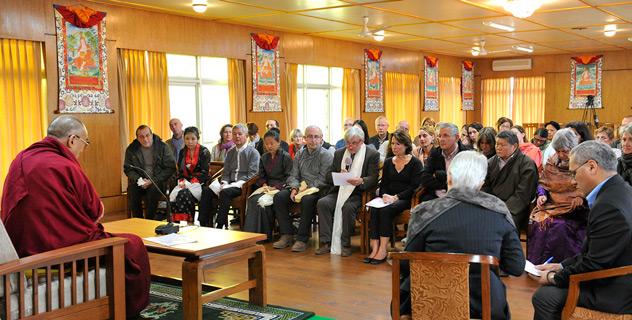 Его Святейшество Далай-лама встретился с врачами из Франции