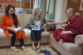 Его Святейшество Далай-лама решил провести начало зимы в Дели
