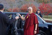 Его Святейшество Далай-лама прощается с университетом Сеика в Киото, Япония. 24 ноября 2013 г. Фото: Джереми Рассел (офис ЕСДЛ)