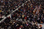 В зале Рёгоку Кокугикан во время выступления Его Святейшества Далай-ламы. Токио, Япония. 25 ноября 2013 г. Фото: Тибетский офис в Японии