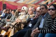 Публика слушает выступление Его Святейшества Далай-ламы о мудрости сострадания в больнице Аполло в Дели 30 ноября 2013 г. Фото: Тензин Чойджор (Офис ЕСДЛ)