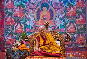 В Дели Далай-лама продолжил даровать учения для буддистов из Монголии