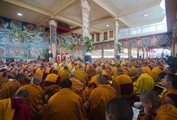 Пятый день учений Далай-ламы по ламриму в монастыре Сера Чже