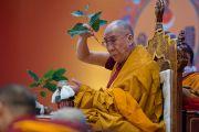Во время посвящения Ваджрабхайравы в завершающий день учений Его Святейшества Далай-ламы для буддистов из Монголии. Дели, Индия. 4 декабря 2013 г. Фото: Тензин Чойджор (офис ЕСДЛ)