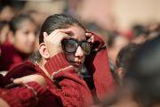 Во время выступления Его Святейшества Далай-ламы перед учениками школы Вазант Вэлли. Нью-Дели, Индия. 6 декабря 2013 г. Фото: Тензин Чойджор (офис ЕСДЛ)