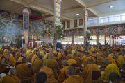 Во время учений Его Святейшества Далай-ламы в монастыре Сера Чже. Билакуппе, штат Карнатака, Индия. 28 декабря 2013 г. Фото: Тензин Чойджор (офис ЕСДЛ)