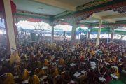 Тысячи монахов собрались на учения Его Святейшества Далай-ламы в монастыре Сера Чже. Билакуппе, штат Карнатака, Индия. 26 декабря 2013 г. Фото: Тензин Чойджор (офис ЕСДЛ)