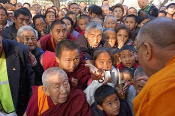 Восьмой день учений Далай-ламы по ламриму в монастыре Сера Чже