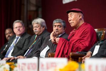 В Бангалоре Далай-лама посетил школу им. епископа Коттона