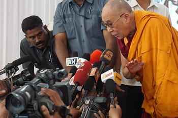 Далай-лама принял участие в празднике в честь Свами Вивеканады