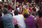 Его Святейшество Далай-лама покидает монастырь Сера Чже по окончании учений по 18 коренным текстам традиции Ламрим. Билакуппе, штат Карнатака, Индия. 3 января 2014 г. Фото: Тензин Чойджор (офис ЕСДЛ)