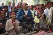 Во время посвящения Авалокитешвары в тибетском поселении в Бандаре. Штат Махараштра, Индия. 11 января 2014 г. Фото: Тензин Чойджор (офис ЕСДЛ)
