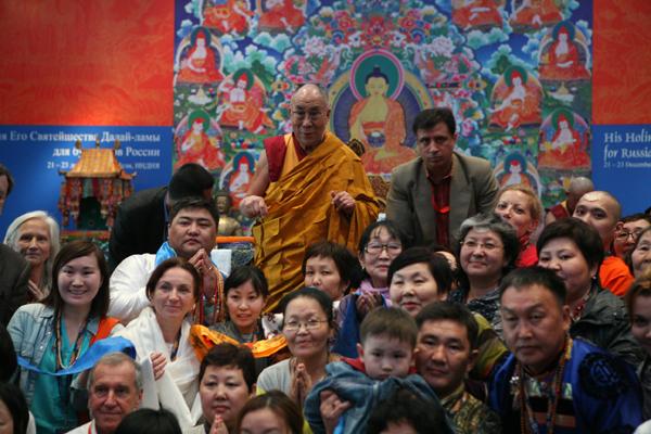 «Ни в коем случае не отчаивайтесь». Учения Его Святейшества Далай-ламы XIV