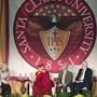 Далай-лама принял участие в обсуждении на тему «Бизнес, нравственность и сострадание» в университете Санта-Клары