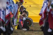 В ожидании прибытия Его Святейшества Далай-ламы на стадион для игры в поло в Шиллонге. Штат Мегхалая, Индия. 4 февраля 2014 г. Фото: Тензин Чойджор (офис ЕСДЛ)