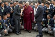 Его Святейшество Далай-лама фотографируется на память в завершающий день своего трехдневного визита в Шиллонг. Шиллонг, штат Мегхалая, Индия. 5 февраля 2014 г. Фото: Тензин Чойджор (офис ЕСДЛ)