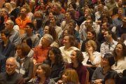 Во время лекции Его Святейшества Далай-ламыв концертном зале им. Луизы Дэвис. Сан-Франциско, Штат Калифорния, США. 22 февраля 2014 г. Фото: Джереми Рассел (офис ЕСДЛ)